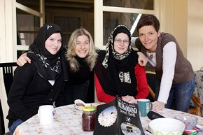 Režisérka Tereza Engelová s protagonistkami dokumentu Rihla